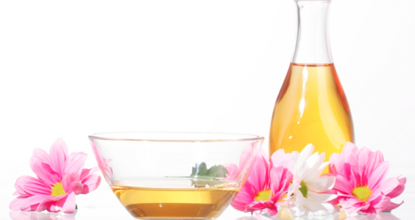 DIY: Simple At Home Hot Oil Treatment